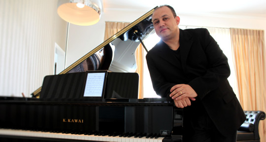 Composer, arranger and produc - Lincoln Soares