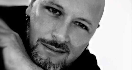 Artist, singer, composer - nerulis