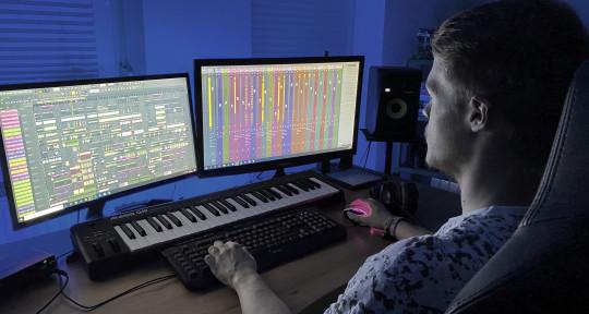 EDM & Hardstyle Producer - Julian