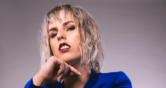 Pop/Dance PRO Songwriter - Amanda Collis