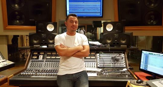 Remote Mixing & Mastering - Sebastian Perkal