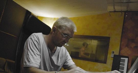 Multiplatinum Sound Engineer  - RooM Studio