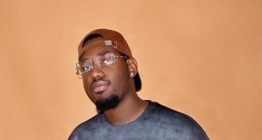 Song Writer & Recording Artist - Daelux