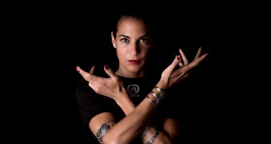 Singer/Songwriter  - Linda Grazia