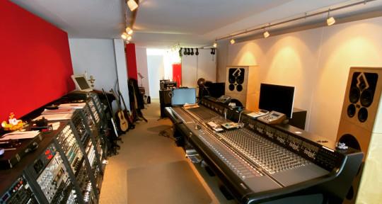 Remote Mixing & Mastering - Jo Eberhard