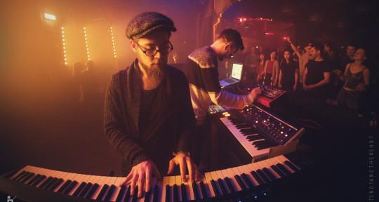 Music Producer - Jonas