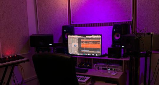 Mixer/ Song writer/ Producer - Richie Otu