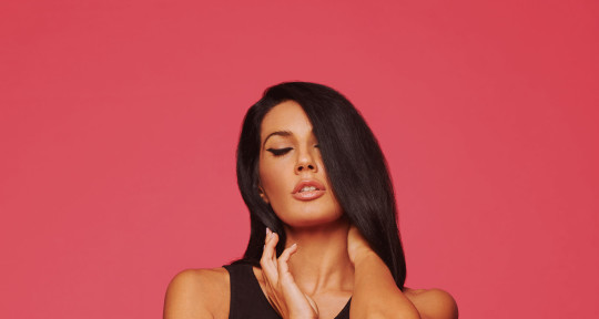 Singer-songwriter, producer - Valentina Black