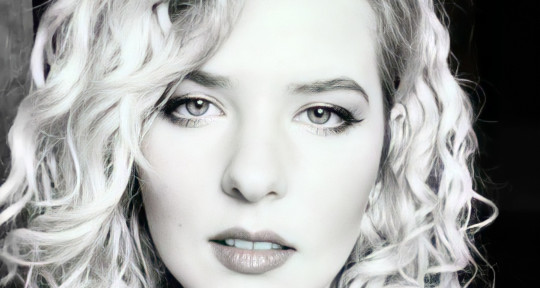 Singer Songwriter - Sarah Cleary