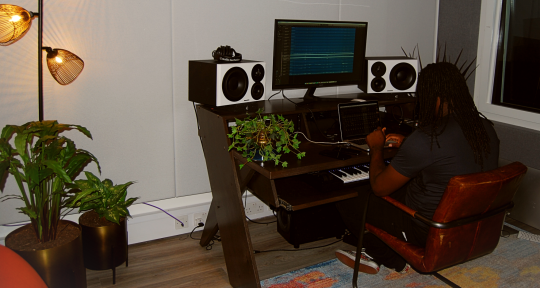 Mixing Engineer - Simion Griffiths