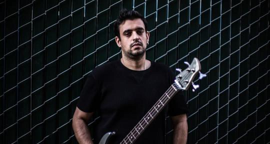 Session recording Bassist. - Bruno Ladislau