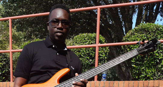 Session Bass Player / Producer - Kenly 'KenlyBass' Thompson