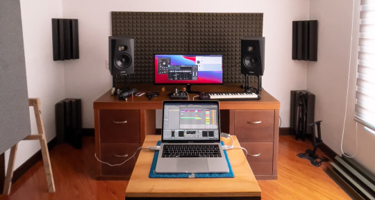 Mixing and ghost producing - Mauricio Sánchez Tenorio
