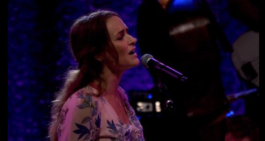 Lead and Background Vocalist - Jenny Littleton