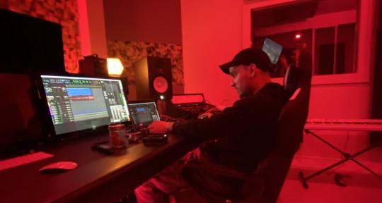 Music Producer, Audio Engineer - Bluxz
