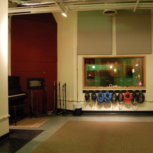 Q DIVISION STUDIOS on SoundBetter