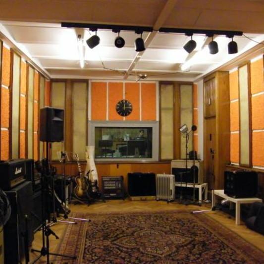 Tricone Studios on SoundBetter