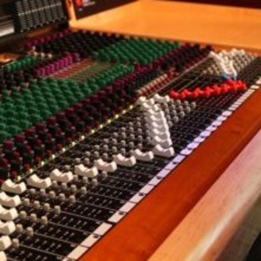 Virtuo Sound Studio on SoundBetter