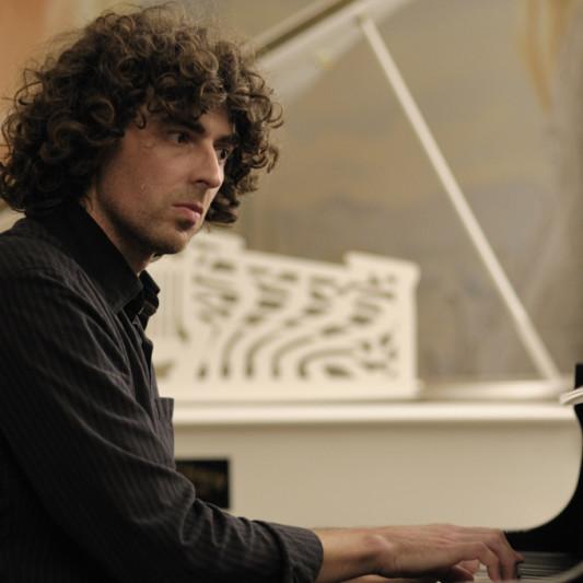 Oscar Del Barba on SoundBetter