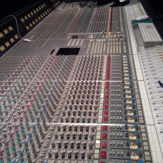 massive sound Anthoulas on SoundBetter