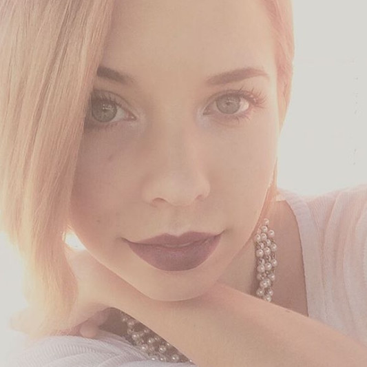 Hillary Paige Lacombe on SoundBetter