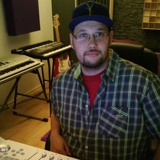 dBeLazy on SoundBetter