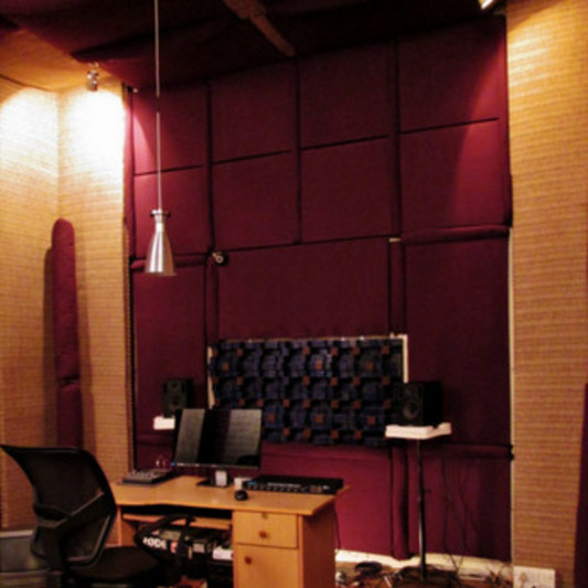 "Studio ""Pure-Sonics"" on SoundBetter"