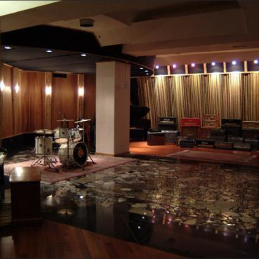 Groovemaster Studios on SoundBetter