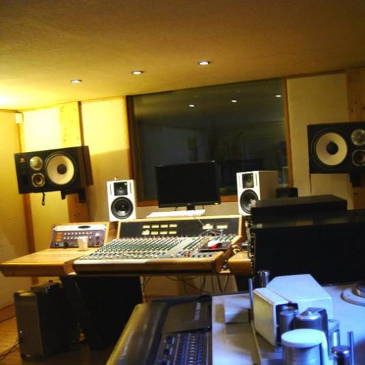 Melodium on SoundBetter