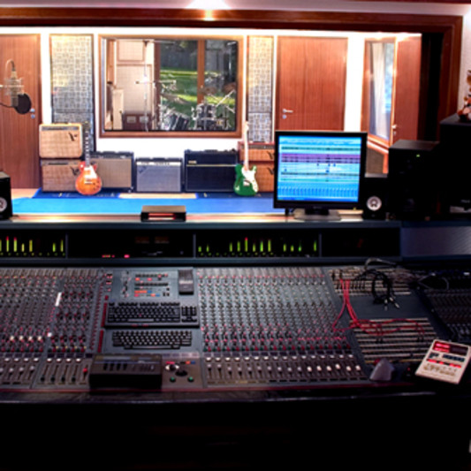 FOX MUSIC STUDIOS on SoundBetter