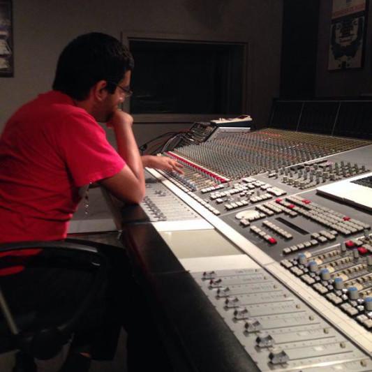 Luis González on SoundBetter
