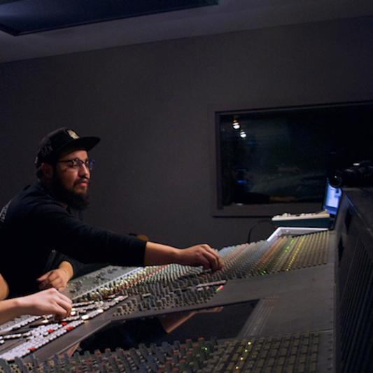 Manuel Soto on SoundBetter