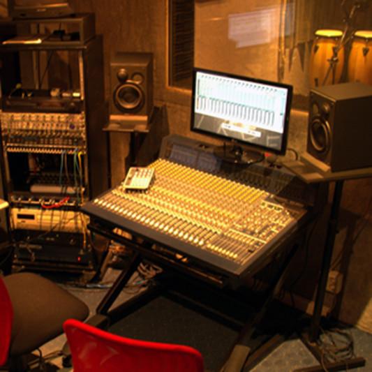 216 pro-studio on SoundBetter