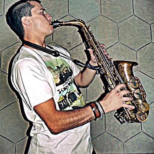 SERGIO FELIÚ on SoundBetter