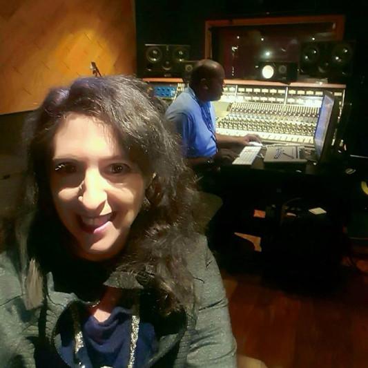 angel da singer on SoundBetter