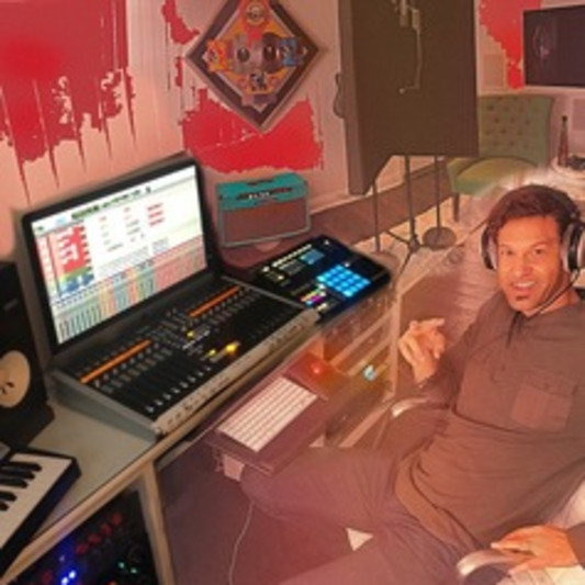 Robb Smith | Lock-88 on SoundBetter