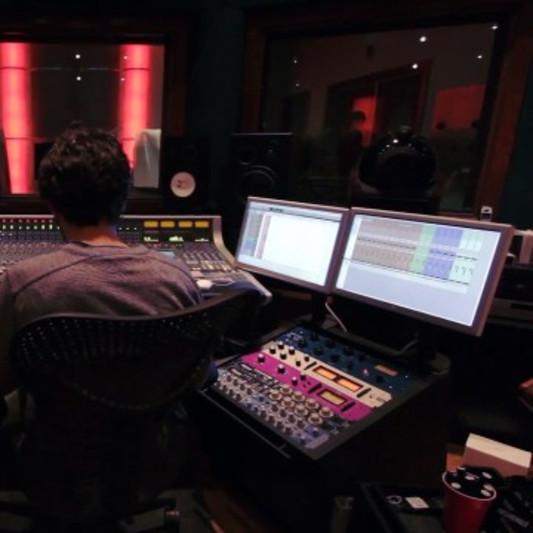Daniel Good on SoundBetter