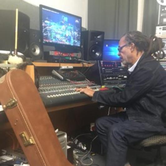 ELECTRICDREAD STUDIO on SoundBetter