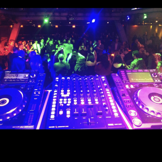 DJ 7teen on SoundBetter