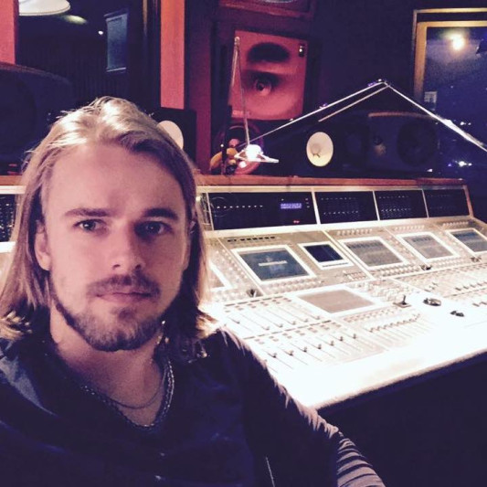 Buzz T. Isles on SoundBetter