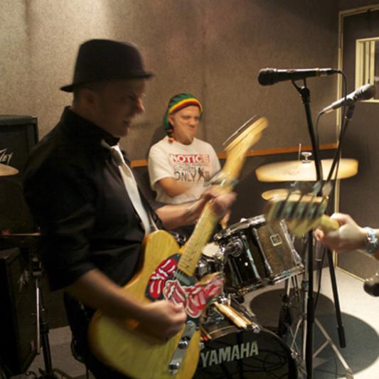 The Delfino Trio on SoundBetter
