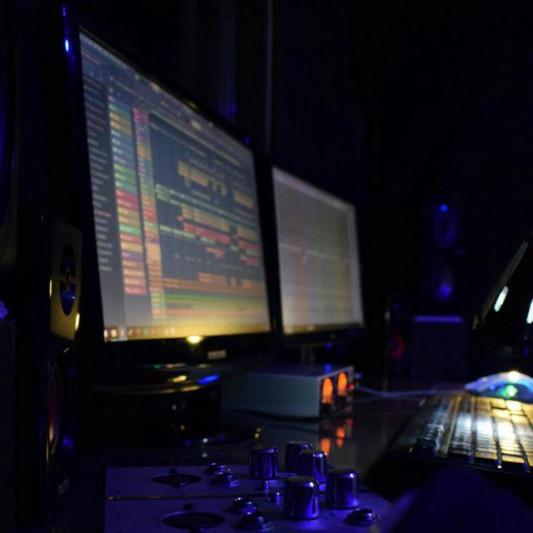 aliSunny on SoundBetter