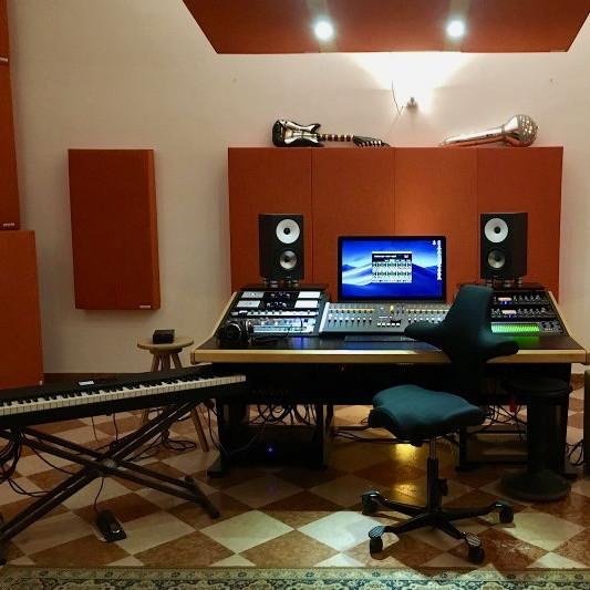 Sopralenuvole Music Studio on SoundBetter