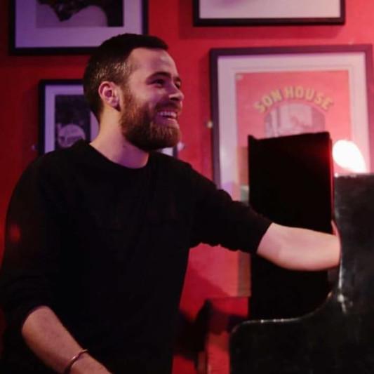 AK Keys, Piano & Synths on SoundBetter
