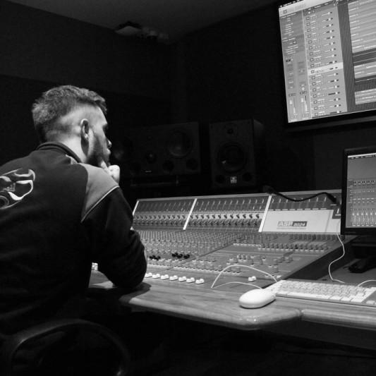 Cameron Nesbitt on SoundBetter