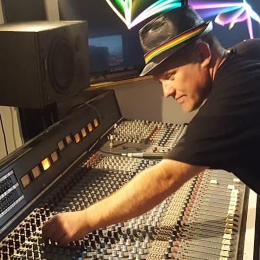 Mark Burden on SoundBetter