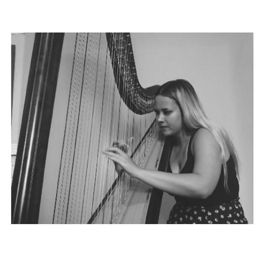 Harpist Iona Duncan on SoundBetter