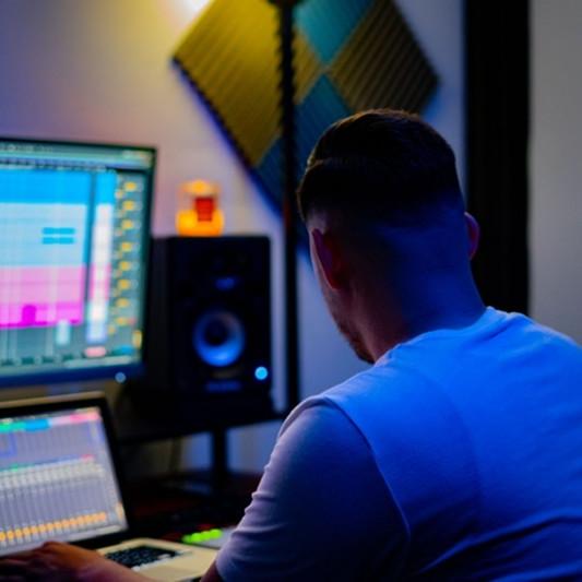 Dino Senac IV on SoundBetter