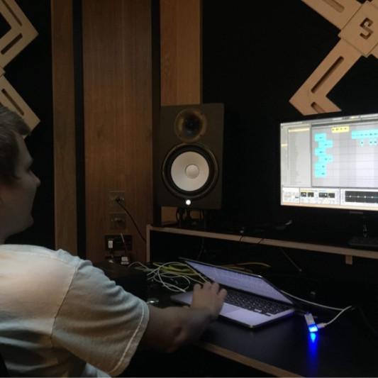 Jonny Hall on SoundBetter