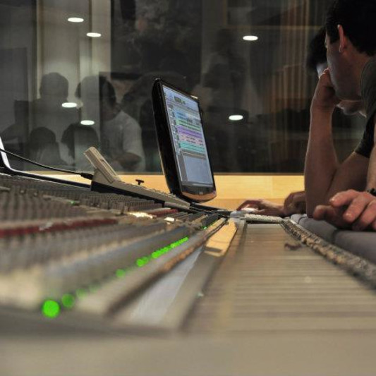 Tom Saboia on SoundBetter